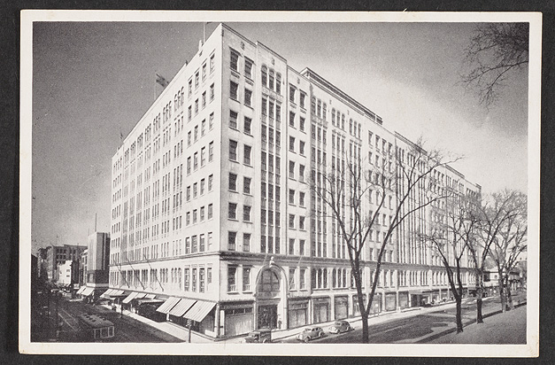 A postcard with a view of the Eaton's department store, ca. 1931.